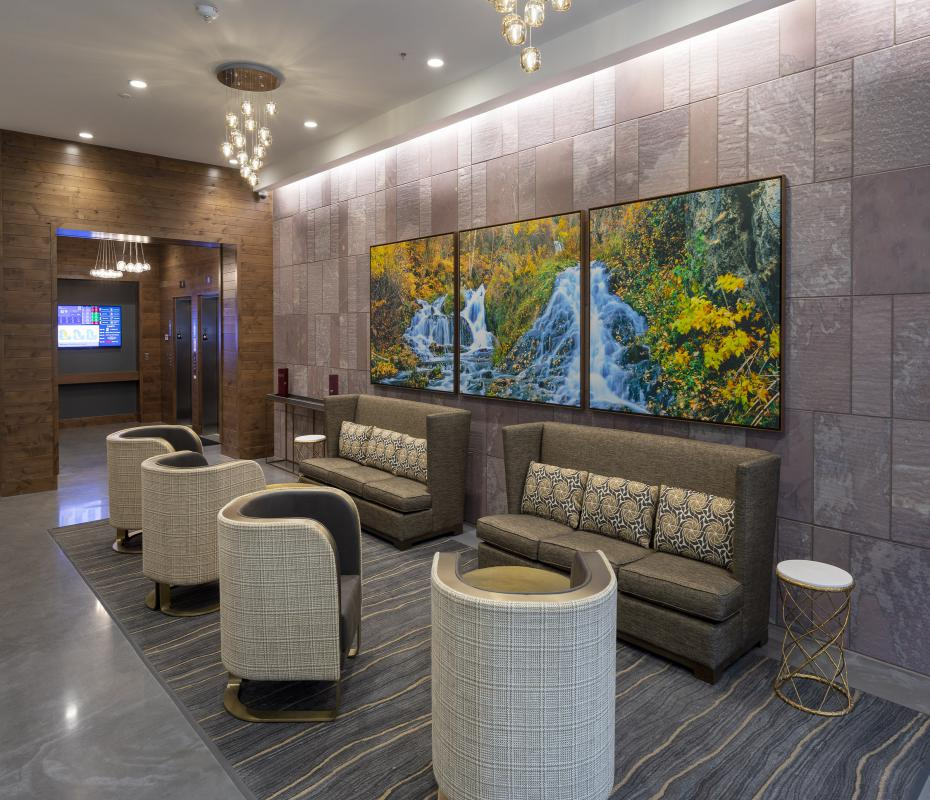 Lobby at Washington Square - Sioux Falls, SD